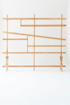 Die Bauanleitung der DIY-Möbel samt Komponentenliste stellt Alex seit 2010 zur freien Verfügung. Wer aus dem Stand gleich loslegen will, kann hier ...