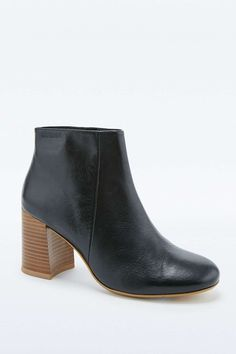 Vagabond Kaley Black Leather Ankle Boots - Urban Outfitters