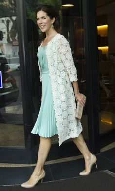 Princess Mary~ love her lace jacket & mint dress! Crown Princess Mary, Prince And Princess, Mary Donaldson, Princess Marie Of Denmark, Estilo Real, Royal Clothing, Danish Royal Family, Mint Dress, Royal Fashion