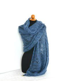 Pregiata stola in seta e lana mohair lunga sciarpa di VereV Mohair Yarn, Wool Yarn, Thing 1, Craft Accessories, Blue Wool, Long Scarf, Shawl, Italy, Colorful