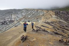 Sulpher miners on the crater rim
