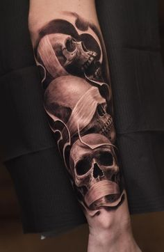 Tatouage Petits Crânes - InkStyleMag - Tatouage De Petits Crânes Informations About Little Skulls Tattoo – InkStyleMag Pin You can easil - Octopus Tattoo Sleeve, Small Skull Tattoo, Evil Skull Tattoo, Evil Tattoos, Skull Sleeve Tattoos, Octopus Tattoo Design, Forarm Tattoos, Forearm Sleeve Tattoos, Best Sleeve Tattoos