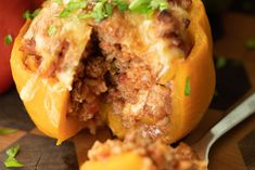 Grilled Stuffed Peppers are a delicious way to enjoy your veggies. They're stuffed with ground beef, rice, and more, and grilled to crunchy perfection. Grilled Stuffed Peppers, Grilled Bell Peppers, Peppers And Onions, Roasted Tomato Sauce, Tomato Sauce Recipe, Canned Tomato Sauce, Dinner Options, Ground Beef, Grilling