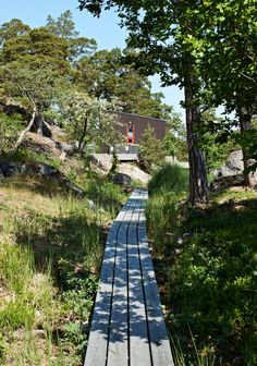 Summerhouse pathway