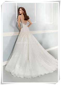 V-back A-line Lace Wedding Dress http://www.lunedress.com/vback-aline-scoop-natural-waist-tullelace-wedding-dress-p-211623.html… pic.twitter.com/YaRH1QC94m