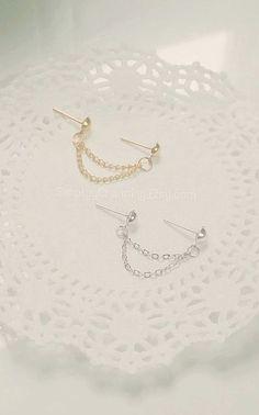Simple Silver Gold Double Lobe Chain Earring Simple Dainty Multiple Piercings Body Jewelry Simple Silver/Gold Double Lobe Chain Earring by SimplyyCharming Double Earrings, Fake Gauge Earrings, Gold Bar Earrings, Simple Earrings, Chain Earrings, Crystal Earrings, Dainty Jewelry, Simple Jewelry, Body Jewelry