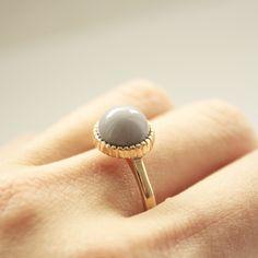 OTIEN's Ring Click on the picture.  Follow: https://www.facebook.com/OTIEN Pierścionek elegancki szary