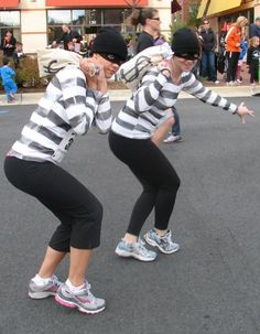 banking robber costume Team lowes, running like we stole something in the dirty dog dash - june Gonna be fun! Team Costumes, Cool Costumes, Costume Ideas, Kids Running, Running Women, Running Gear, Halloween Running Costumes, Halloween Ideas, Bank Robber Costume