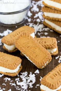 Creamy coconut filling sandwiched between 2 Biscoff cookies- this sweet treat is ready in minutes and sure to please a crowd! Biscoff Cookies, Galletas Cookies, Yummy Cookies, Biscoff Biscuits, Coconut Recipes, Baking Recipes, Cookie Recipes, Dessert Recipes, Just Desserts