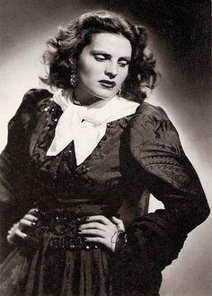 Amalia Rodrigues.
