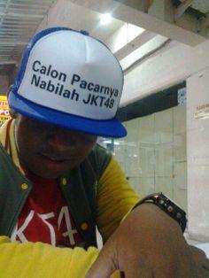 "@kamal_fahmi @ShoutCap gw bkin nih shoutcap spya orang gk nanya lgi spa calon gw, shoutman hahaha XD pic.twitter.com/xi2FH7gnBe"""