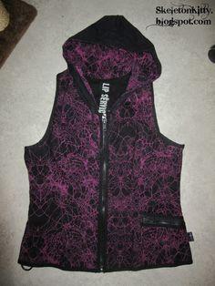 "LIP SERVICE In Vain ""Take Me Down"" hooded vest top #14-100 - black/magenta size XL (SOLD)"