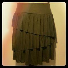 HP Olive Green Ruffle Skirt Super cute ruffle skirt, 18 inches long. Banana Republic Skirts