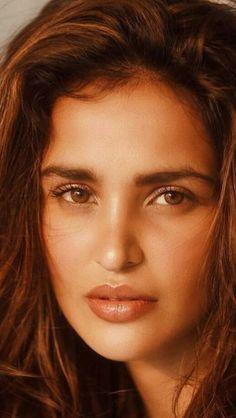 Arabian Beauty, Beautiful Lips, Indian Beauty, Bollywood, Eyes, Makeup, Sweet, Women, Modeling Poses