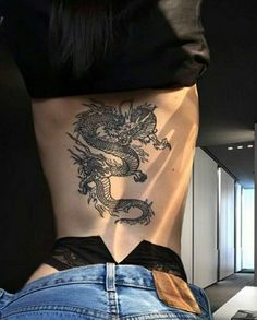 woman back tattoo full - woman back tattoo ; woman back tattoo full ; woman back tattoo spine ; woman back tattoo small ; woman back tattoo classy ; woman back tattoo ideas ; woman back tattoo cover up ; woman back tattoo shoulder Dope Tattoos, Mini Tattoos, Pretty Tattoos, Unique Tattoos, Beautiful Tattoos, Body Art Tattoos, Small Tattoos, Tatoos, Dragon Tattoo For Women