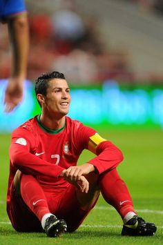 Cr7 Portugal, Portugal Soccer, World Best Football Player, Football Players, Steven Gerrard, Premier League, Cristiano Ronaldo Wallpapers, Cr7 Ronaldo, Soccer Stars
