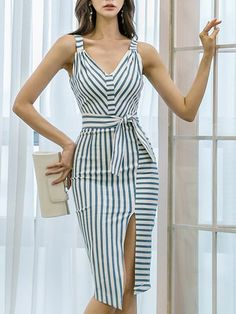 Iconic Dresses - Shop Affordable Designer Iconic Dresses for Women online Work Dresses For Women, Simple Dresses, Casual Dresses, Chic Outfits, Dress Outfits, Fashion Dresses, Iconic Dresses, Long Cocktail Dress, Sexy Party Dress