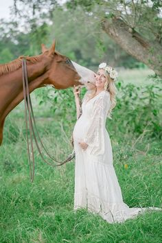 Maternity Styled Shoot with Horse <3 Poetry Flower Crown by Love Sparkle Pretty http://lovesparklepretty.com/shop/the-poetry-flower-crown. Photo by Modern Baby Photography. Maternity Style | Baby Bump | Flower Crown Motherhood | White Flower Crown | Equestrian