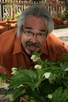 Paul James the Gardener Guy has a website! - He lives in Tulsa, Oklahoma so he knows a bit about gardening in the midwest.