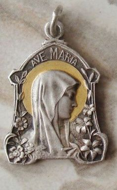 Catholic Medals, Small Words, Bronze Sculpture, Pocket Watch, Metal, Accessories, Art, Art Background, Pocket Watches