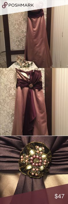 David's Bridal Chocolate Mocha Brown Prom Dress Are you a bridesmaid? Are you headed to Prom soon? Could you care less about wearing a bra? Waste no time! You could kick it in this gorgeous A-Line strapless beauty with just enough flair at the bottom to trumpet while you spin💁🏻 The best part? There are bra cups sewn in! And it's made by David's Bridal so YOU KNOW it's quality 👌🏻 David's Bridal Dresses Prom