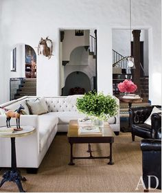 Neutral sofa, sisal rug,black leather chairs  #inspiration #design #interiordesign #livingroom