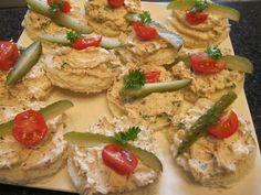 Smoked Salmon Canapes #Recipe via @JuliaGlutenFree. #Glutenfree for #celiac #coeliac.
