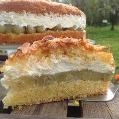 Rhubarb cake with meringue - fariba - Rhabarberkuchen Cake Cookies, Cupcake Cakes, Easy Nutella Brownies, Sweet Recipes, Cake Recipes, The Joy Of Baking, German Baking, Maila, Breakfast Dessert