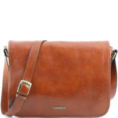 Italienische honigfarbige Leder Laptop-Tasche - Messenger-Tasche.Echtes Kalbsleder, glänzend, von Hand gefärbt und pflanzlich gegerbtInnenmaterialSchweinslederAußenmerkmaleÜberschlagFach auf der Rückseite mit Metall-Reissverschluss YKKWeiche  -
