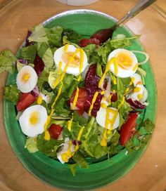 Egg salad with veggies😋
