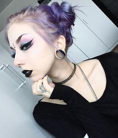 Pantone 2016 eyeshadow and purple hair
