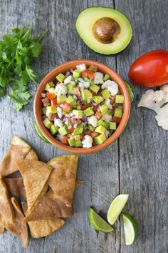 You won't miss the seafood in this quick and easy recipe for a plant-based ceviche that is full of zesty flavors. Avocado Recipes, Lunch Recipes, Vegetarian Recipes, Vegan Lunches, Healthy Snacks, Ceviche, Vegan Dinners, Vegan Friendly, Quick Easy Meals