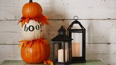 PUMPKIN TOWER - Pile faux pumpkins to make a clever Halloween display. Make the Halloween craft: See our step-by-step tutorial!/