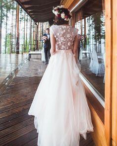 Ну что поделать, если Красота приходит ночью на почту? 💕 обворожительная Ангелина @angelinadivaeva в платье Наоми, как всегда #невестаюстудиолучшая #instafashion #realbride #невеста2016 #свадебноеплатье #weddinginspiration photo by @yulikov