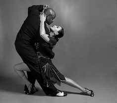 Google Image Result for http://www.boostinspiration.com/wp-content/uploads/2010/09/05_Tango_in_black_and_white.jpg