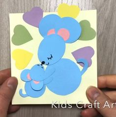 Paper crafts for kids card for mom mother day mouse Winter Crafts For Kids, Paper Crafts For Kids, Diy Paper, Diy And Crafts, Mather Day, Bear Crafts, Paper Magic, New Year Card, Origami
