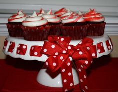 Red Velvet Peppermint Cupcakes  #christmas  #cupcakes