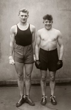 August Sander. 'Boxers' (Paul Rodersten and Hein Heese), Köln 1929