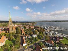 Der Schleswiger Dom ist die weit in die Region ausstrahlende Stadtkirche für Schleswig und zugleich die Bischofskirche für den Sprengel #Schleswig und Holstein der Nordkirche.