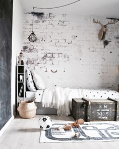 Rustic monochrome kid's room - great textures in the wall and textiles add character and cosyness Kids Bedroom, Bedroom Decor, Cool Kids Rooms, Teenage Room, Ideas Hogar, Kids Room Design, My New Room, Interiores Design, Boy Room