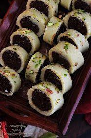 Jagruti's Cooking Odyssey: Anjeer, Chocolate aur Kaju Rolls - Figs,Chocolate and Cashew Rolls - Diwali Special Indian Dessert Recipes, Indian Sweets, Sweets Recipes, Cooking Recipes, Diwali Recipes, Vegan Recipes, Tandoori Masala, Diwali Food, Sweet Desserts