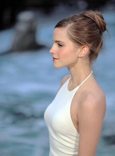 Emma Watson, young and beautiful, has a lot of movies other than Harry Potter which you can read about in this article about Emma Watson's movies! Emma Watson Movies, Emma Watson Daily, Emma Watson Hot, Emma Watson Style, Emma Watson Beautiful, Emma Watson Sexiest, Emma Watson Bikini, Emma Watson Hair Color, Beautiful Celebrities