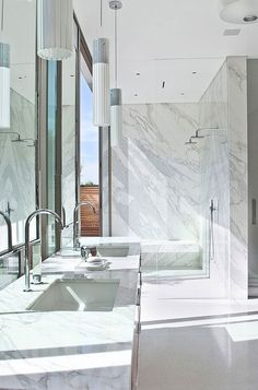 Luxury Bathroom Master Baths Towel Storage is totally important for your home. Whether you pick the Interior Design Ideas Bathroom or Luxury Master Bathroom Ideas, you will make the best Luxury Bathroom Master Baths Bathtubs for your own life. Luxury Master Bathrooms, Dream Bathrooms, Beautiful Bathrooms, Master Baths, Luxury Bath, Bad Inspiration, Bathroom Inspiration, Bathroom Ideas, Bathroom Inspo