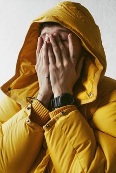 Our friend Unge Ferrari wearing a down jacket from Photo: Pauline Suzor Ferrari, Casual Wear For Men, Peak Performance, New World Order, Sport, Plein Air, Poses, Yellow Fashion, People