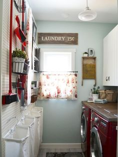 Small laundry room makeover ideas (46)