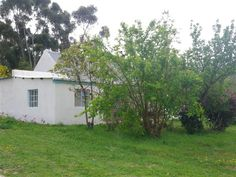 Paardenberg Farm Cottages accommodation near Stanford, Western Cape. Only from Stanford, privately appointed and circled by magnificent Overberg views, Paardenberg offers homely traditional farm ambience and a useful springboard to the surrounding area. Farm Cottage, Rock Pools, Beautiful Places To Visit, Weekend Getaways, Cottages, South Africa, Catering, Swimming Pools, Cape