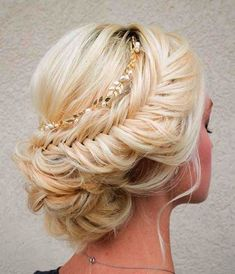 45 Romantic Wedding Hairstyles \/\/ modernwedding.com.au \/\/ Hair and Makeup by Steph Vintage and antique wedding and bridal finds at www.rubylane.com @rubylanecom