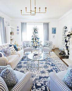 Home Living Room, Living Room Designs, Living Room Decor, Blue And White Living Room, Blue Living Rooms, Blue And White Rug, Blue Rooms, White Houses, Minimalist Living