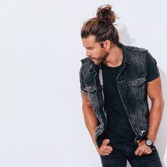 Jack Greystone Loves The Man Bun Man Bun Styles, Hair And Beard Styles, Long Hair Styles, Mens Braids Hairstyles, Cool Hairstyles, Jack Greystone, Attractive Men, Top Knot, Haircuts For Men