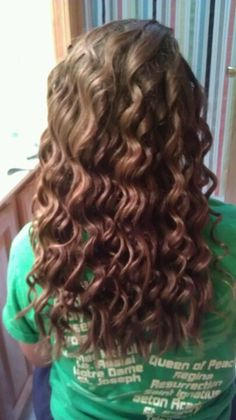 curly hair  done by using the wand